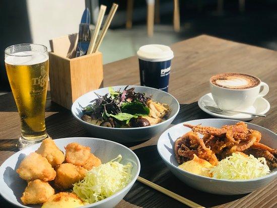 Remuera, Новая Зеландия: Karaage Chicken Squid Mushroom Udon Pasta Beer Coffee