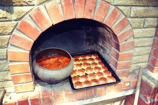 Первомайск, Украина: блюда на мангале,барбекю)
