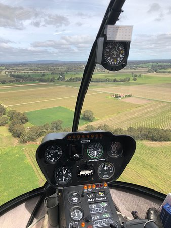 Southern Barossa: 10-Minute Helicopter Flight: Front Seat!