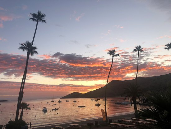Beautiful Two Harbors sunrise over the harbor.