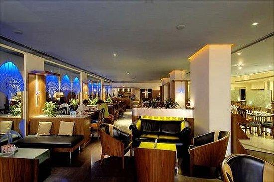 Ramee Guestline Hotel, Juhu: Bar/Lounge
