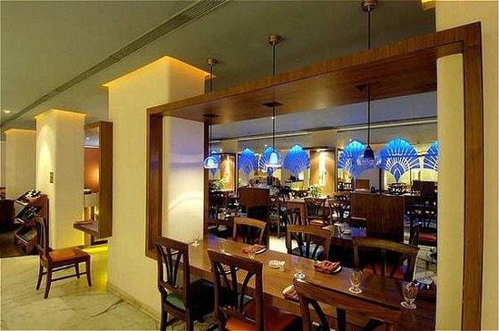 Ramee Guestline Hotel, Juhu: Restaurant