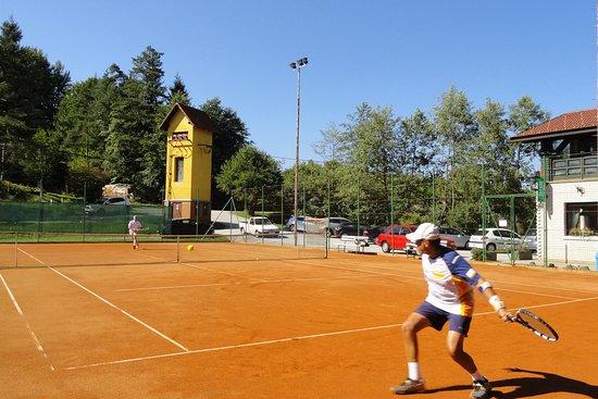 Tenis, beach volley, bar