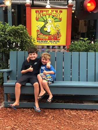 Ozona, Floride : Molly's is a family favourite, we have been eating here for years when we visit our place in Oldsmar. Food is always great.