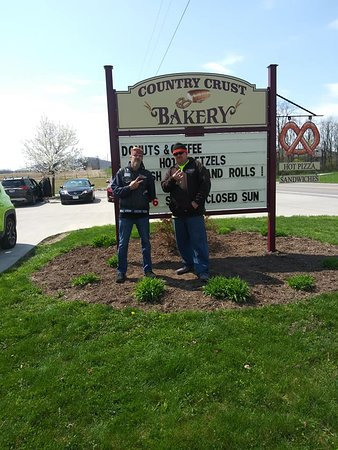 Bainbridge - Ross County, OH: A Brother & Me @ Country Crust