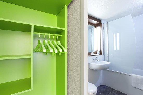 Sainte-Luce-sur-Loire, Fransa: Salle de bain avec baignoire