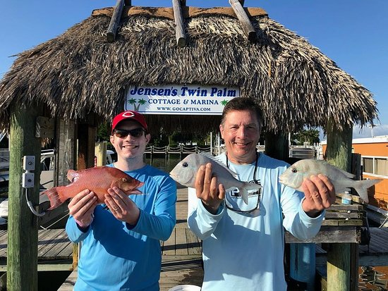 Jihozápadní pobřeží Mexického zálivu, FL: Another awesome day of grocery shopping with Chuck, Michael and Meredith! #swflfishing #pineislandsound #captivaisland #jensensmarina