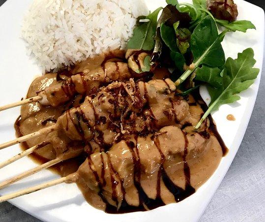 Applecross, Австралия: Chicken satay with peanut sauce.
