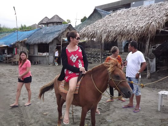 Bangui, Filippijnen: horse ride