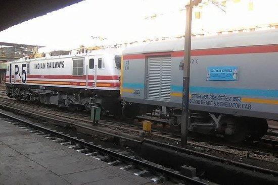 泰姬玛哈陵之旅,乘坐超快Gatimaan快速列车