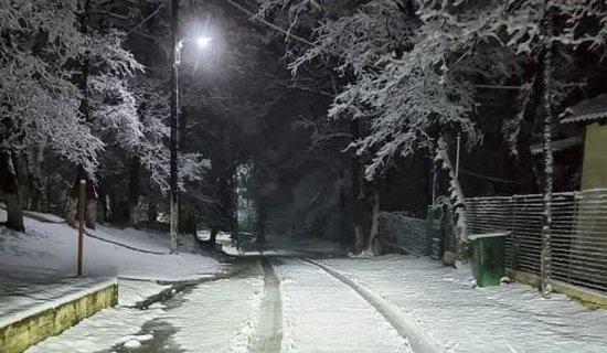 Thessaloniki Region, Hellas: 1.4.2020 Snow feel on the outskirts of Thessaloniki Greece