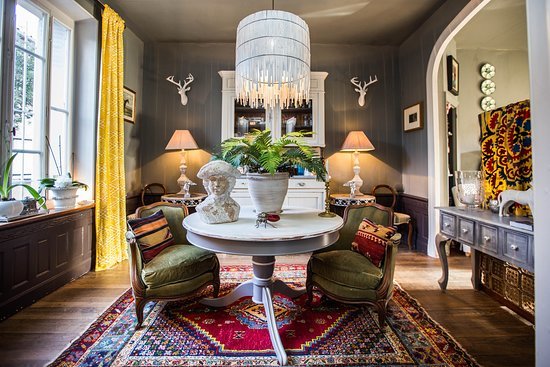 Guest reception area (457070638)