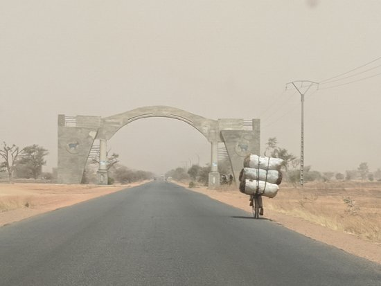 Entering Maradi from the South