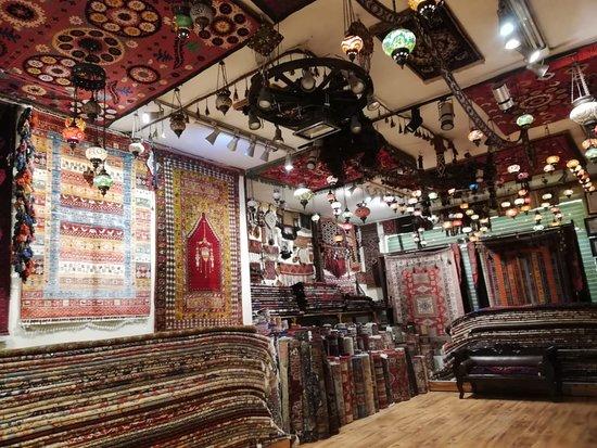 Hilmi's Carpet and Kilim