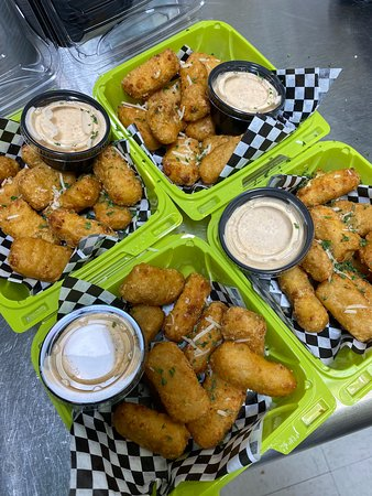 MacBites with spicy ranch