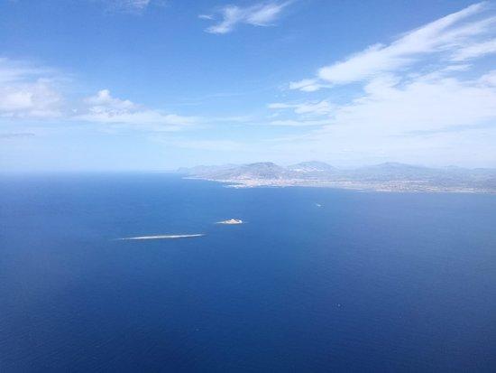 Province of Trapani, Italia: L'isolotto di Formicola e Trapani viste dall'aereo .....  ✈️  ✈️  ✈️  ✈️  ✈️