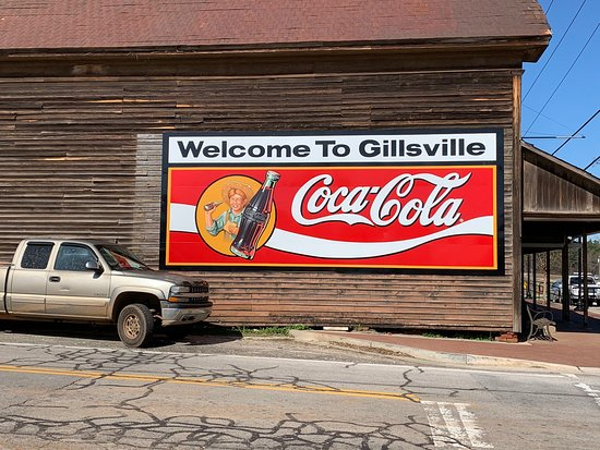 Side of the building that houses the Gillsville Cafe.