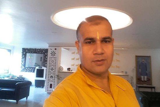 Palm reader Astro Manish