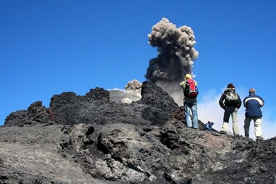 Etna Tour吉普車遊覽和徒步旅行