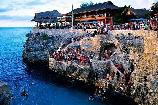 Blue Hole Mineral Spring Private Tour...
