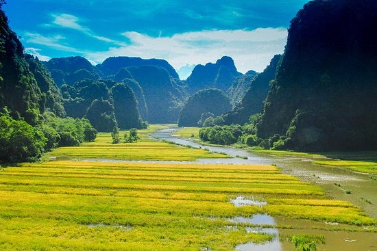 Full-Day Hoa Lu and Tam Coc DELUXE Tour...