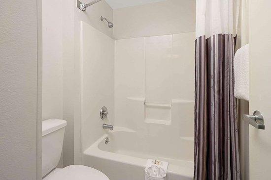 La Quinta Inn & Suites by Wyndham Naples East (I-75)