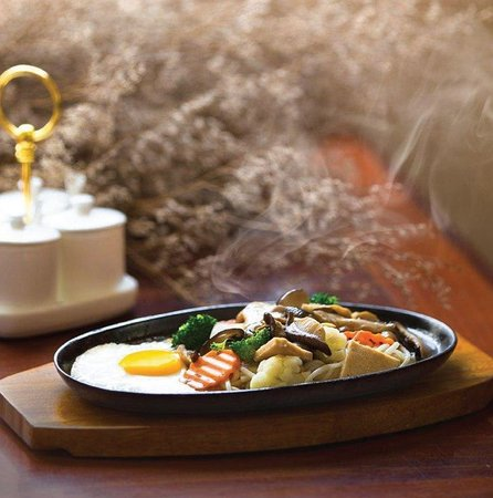 Vitking House: Chinese Noodle on hot plate