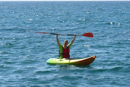 Iniziazione o visita guidata in kayak attraverso la baia di El