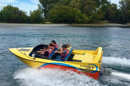 Lyttelton Shore Excursion: Christchurch Sightseeing with Jet Boating