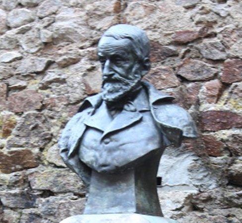 Monument à Gabriel Bulliot