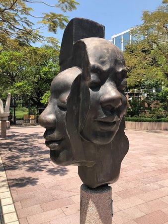 Sculpture Walk and Sculpture Garden - Kowloon Park (10)