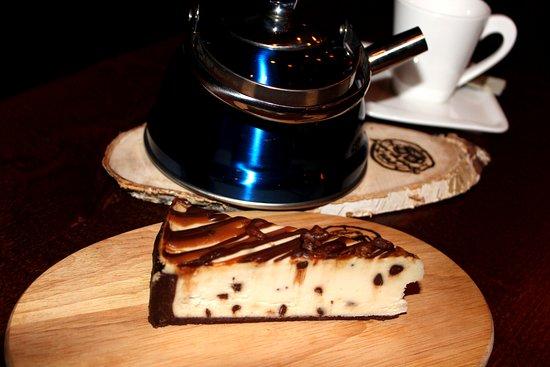Zelenogorsk, Rusija: Чизкейк нью-йорк с шоколадом и орехом пекан