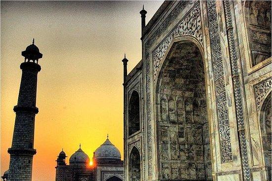 同日泰姬陵从德里游览