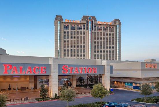 Palace and casino hotel pasos de salsa casino