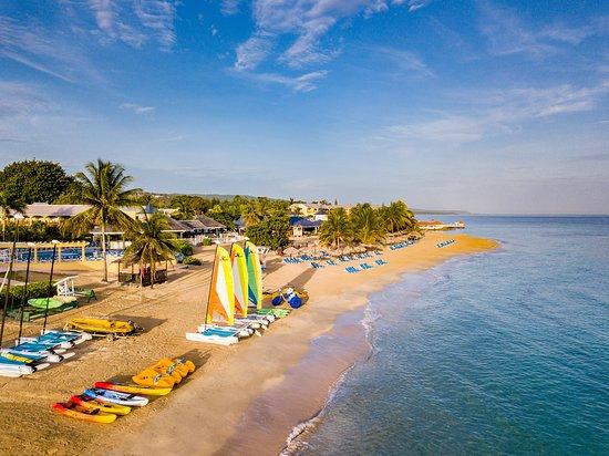 Jewel Runaway Bay Beach Resort