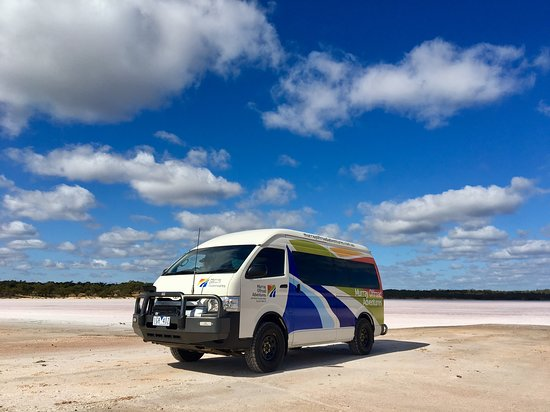Mildura, أستراليا: Visit one of the many unique salt lakes.