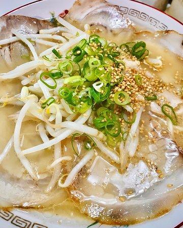 チャーシュー麺。美味い!!