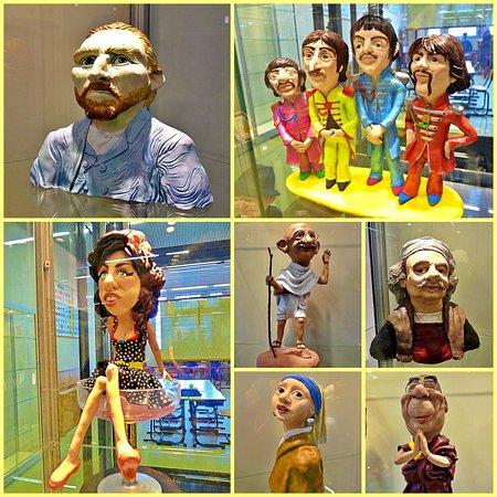 In this museum in Hoorn we saw funny clay figures of celebrities like The Beatles and Van Gogh😀