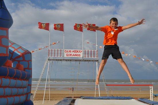 Saint-Jean-de-Monts, France: Les trampolines ont du succès