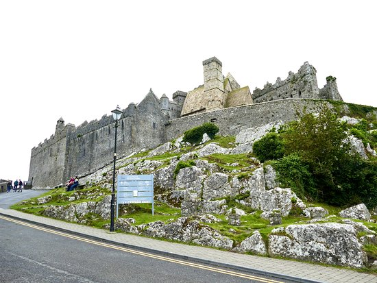 The ROCK OF CASHEL: 5 reasons why you NEED TO VISIT