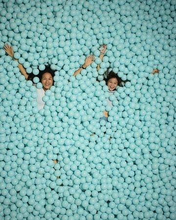 Farbfabrik NYC Ticket: Fun in the ball pit