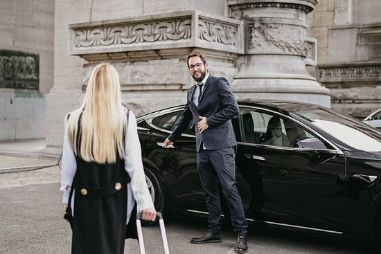 A to B Private Taxi-Limo Service & City Tours