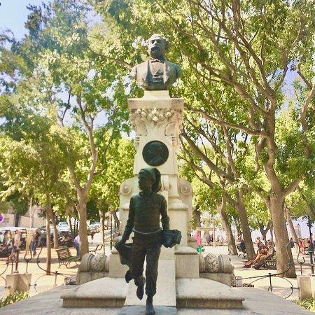 Monumento a Eduardo Coelho