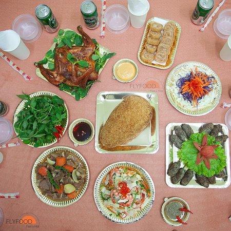 ĐẠI LỄ TẠI GIA - ĂN UỐNG TẠI NHÀ  Tại nhà nhưng vẫn đủ đầy như ở nhà hàng với hơn 100 món ngon Flyfood nhé ❤️ ___________ ♻️Cam kết: 1 ĐỔI 1 - QUÝ KHÁCH KHÔNG HÀI LÒNG CHẤT LƯỢNG! ☎️Hotline: 028 39 911 911 💒Địa chỉ: 7/3 Hồ Biểu Chánh, P.12, Q. Phú Nhuận, HCM #flyfood #hôm_nay_ăn_gì #mónngonmỗingày #nhà_hàng_online #món_ngon_giao_tận_nơi