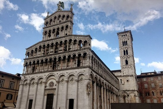 Visit Pisa & Lucca from Florence with a...
