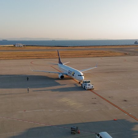 Compared to nearby Kansai International Airport, Kobe Airport is a small domestic one with fun. There is observation deck for visitors to see airplanes take off or land, as well as beautiful sea view surrounding the airport.