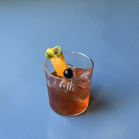 Smoke 'N Fashion: Scotch Jhonnie Walker Red Label, Angostura, zucchero alla vaniglia e peperoncino home made.