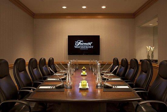 Fairmont Waterfront: Douglas Boardroom