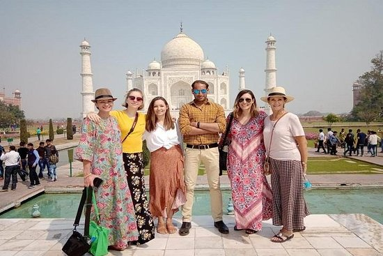 Taj Mahal Private Day Tour from New...