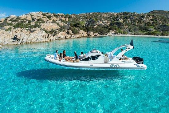 passeio particular de barco inflável no...